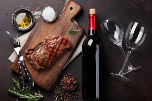 Steak and Wine 🍷